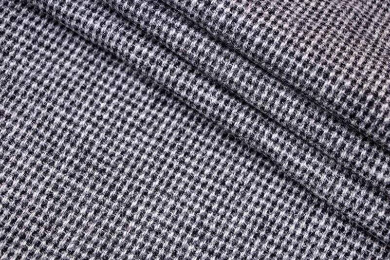 7ba0782ce6582 Ткань пальтовая Италия (шерсть 100%, цена за отрез 1,70м, молочно-черный,  клетка, шир. 1,50 м)