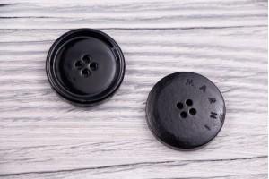 Пуговица 4 дырочки Италия (глянец, черный, пластик, 2,5см)
