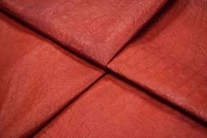 Кожа одежная овчина (красный, штамп)