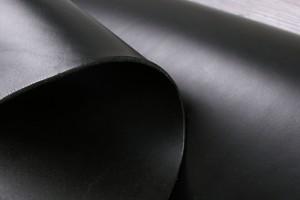 Кожа ременная КРС Италия (черная, гладкая, толщина 4,1мм)