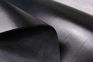 Кожа ременная полурастительного дубления, верх-хромовое крашение КРС Италия (3,2 мм)