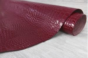 Кожа галантерейная теленок Италия (малиново-красный, штамп крокодил, лак)