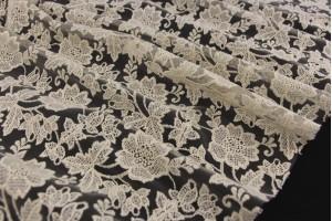 Ткань гипюр Италия (коттон 50%, полиэстер 50%, топленое молоко, цветы, шир. 1,20 м)